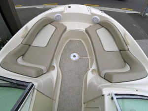 2004 Sea Ray 200 Sun Deck