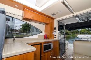 Riviera 4400 Sport Yacht - 2008