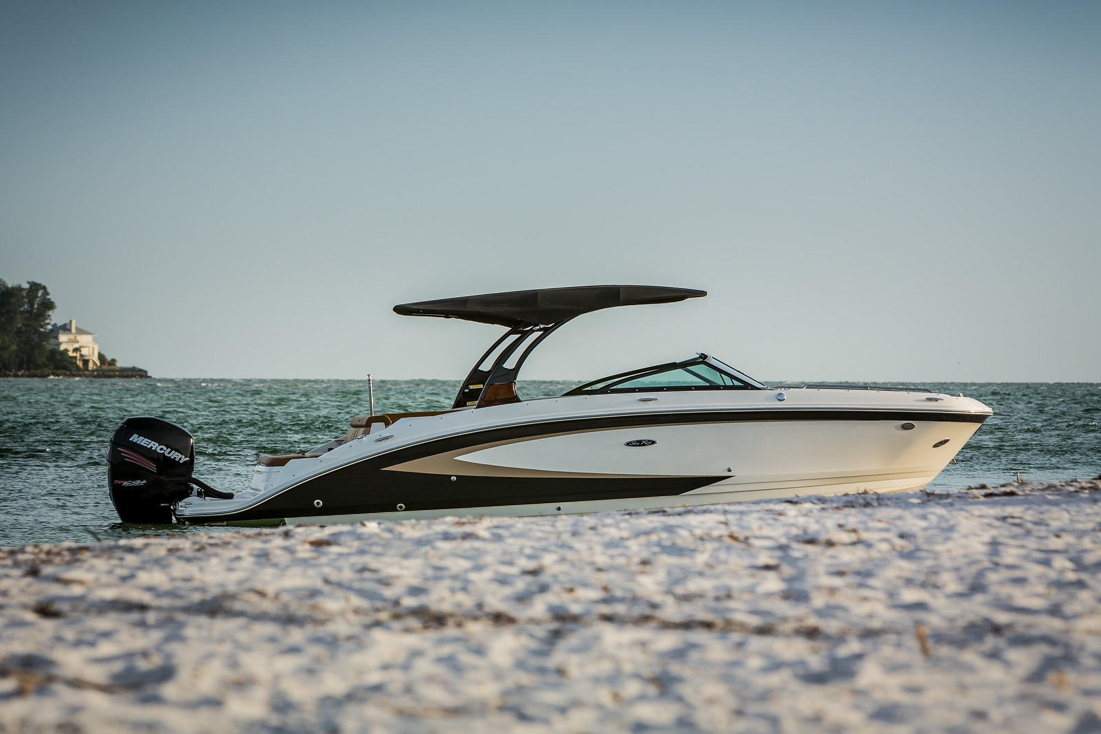 Sea Ray SDX 270 Outboard | Sports Marine
