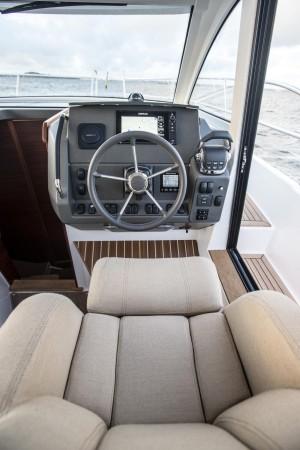 2017 Nimbus 305 Coupe
