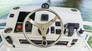 Boston Whaler 345 Conquest