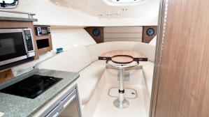 Boston Whaler 285 Pilothouse