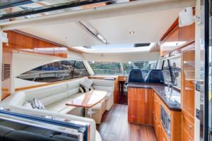 2010 Riviera 5000 Sport Yacht