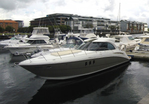 390 Cruisers Yachts Coupe