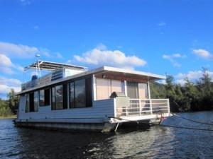 45 Houseboat
