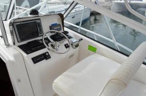 Luhrs 31 Open Express Cruiser