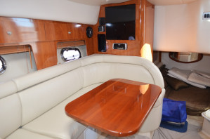 Four Winns Vista 348 Sportscruiser