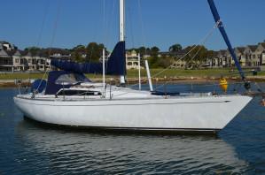 Carter 33 Yacht