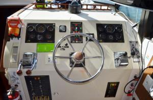 Mariner 3400 Flybridge Cruiser