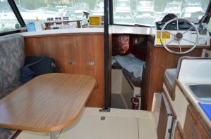 CoxCraft (Kingston)Flybridge Cruiser