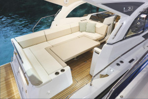 Jeanneau Leader 33 (Outboard Version)