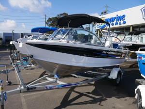 QUINTREX 430 FISHABOUT DLX - RUNABOUT
