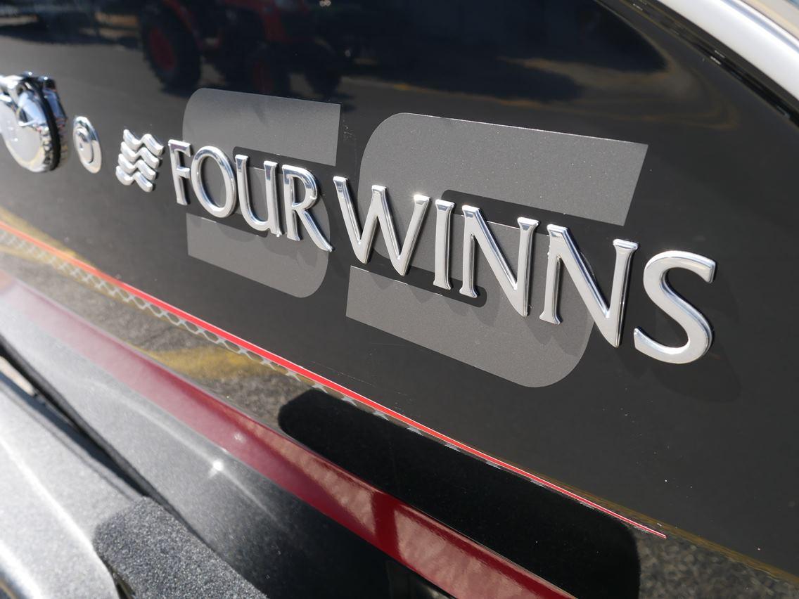 FOUR WINNS H190SS BOW RIDER