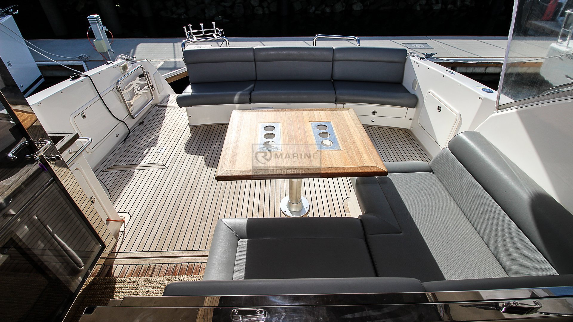 Riviera 5000
