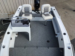 QUINTREX 420 RENEGADE SIDE CONSOLE