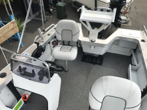 QUINTREX 490 RENEGADE SIDE CONSOLE