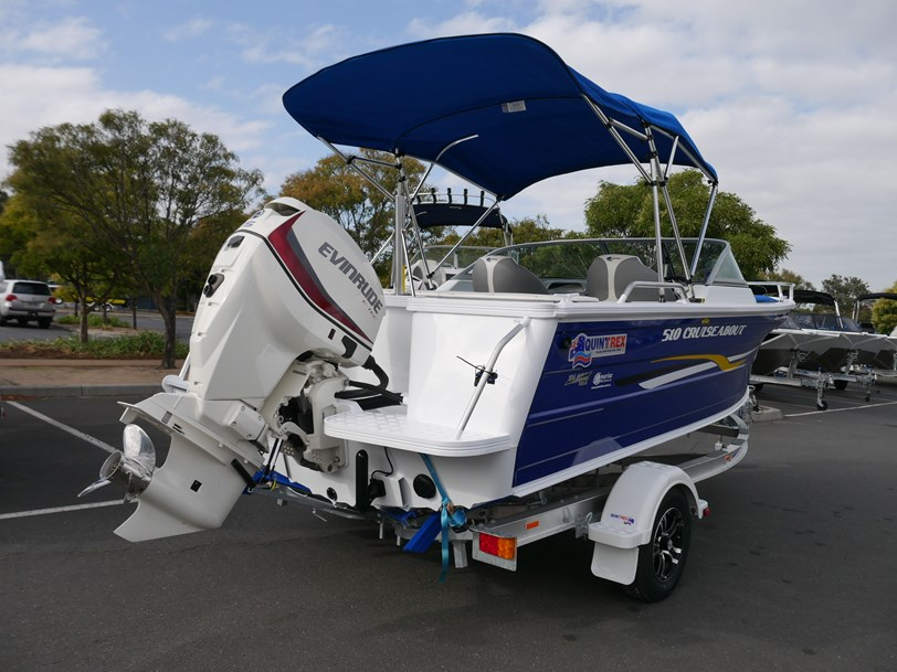 QUINTREX 510 CRUISEABOUT - BOW RIDER