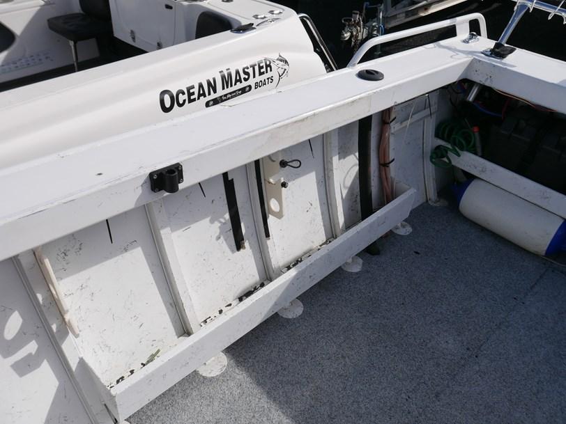 STESSL MAKO 550 - CABIN BOAT