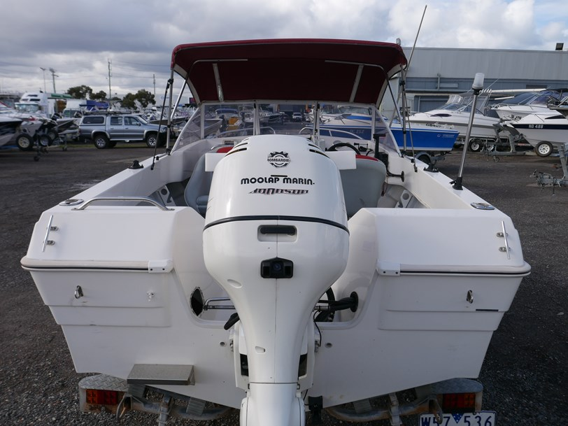 KINGFISHER 4650 BAY RAIDER - RUNABOUT