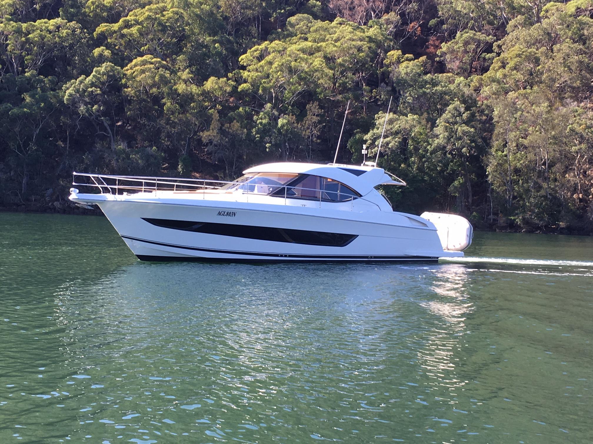 Riviera 4400SY
