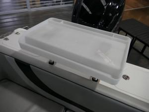 Revival 525 Sportz Dlx - Cuddy Cabin