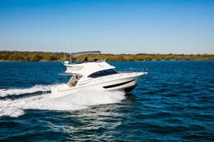 Riviera 39 Sports Motor Yacht