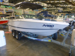 FOUR WINNS H180 V6 BOW RIDER