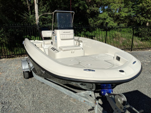 BAYLINER ELEMENT F18 CENTRE CONSOLE