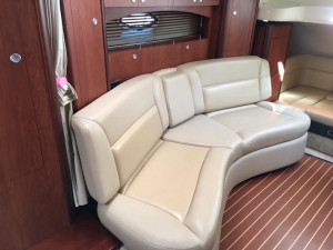 Monterey 330 Sports Yacht For Sale at Akuna bay