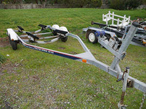 BAYLINER 5.5m SKID TRAILER