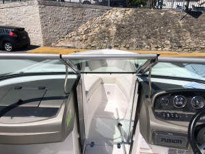 Regal 2100 Fast Trak bowrider