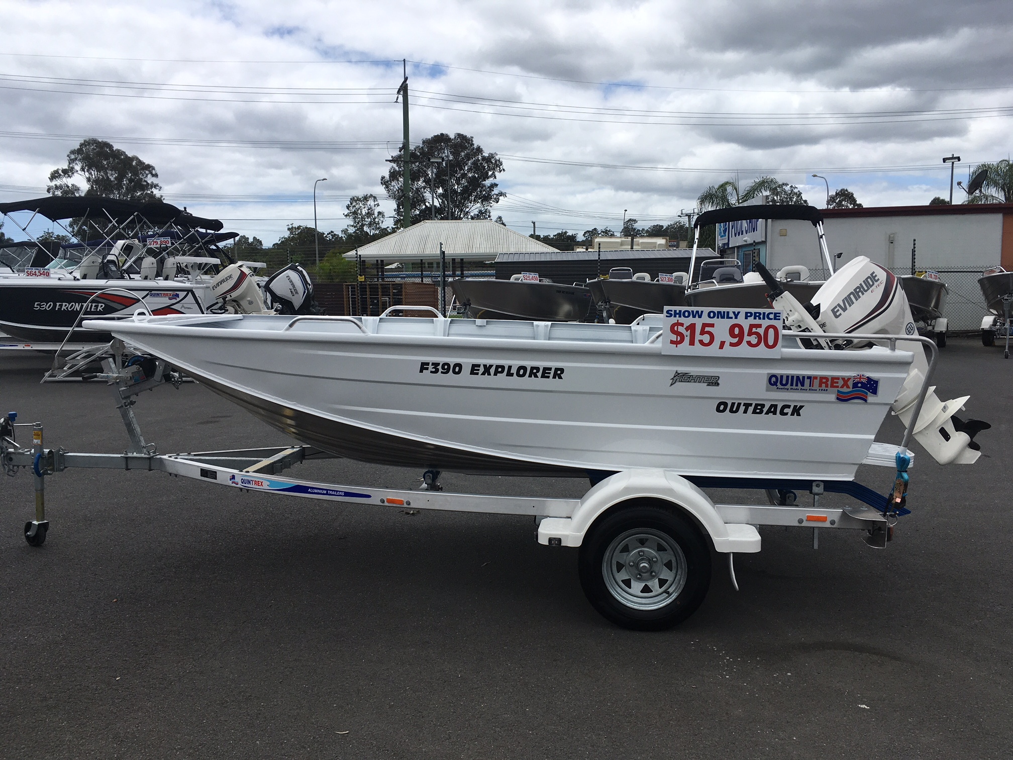 NEW QUINTREX F390 OUTBACK EXPLORER WITH 25 HP EVINRUDE FOR