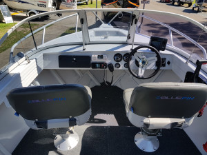 Bluefin 4.8M Discovery With 60HP 4-Stroke (58Hrs)