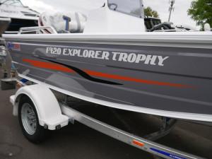Quintrex 420 Explore Trophy - Side Console