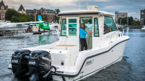 Boston Whaler 315 Pilothouse