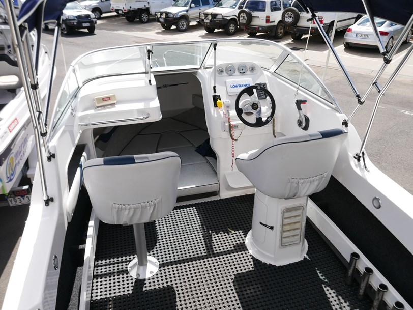 Revival 580 Fisherman - Cabin Boat