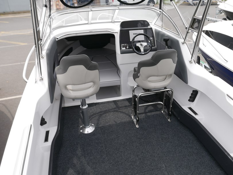 Revival 640 Offshore - Cabin Boat
