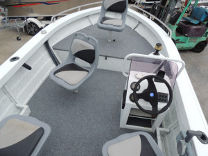 This 455 Sea Jay Escape Side Console would make some body very happy !