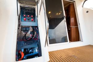 2006 Meridian 411 Flybridge Cruiser