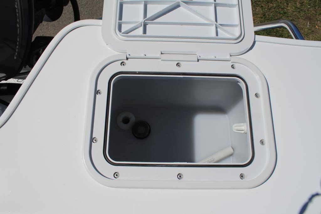 Quintrex 490 Top Ender Side Console F90 Hp Pack 3
