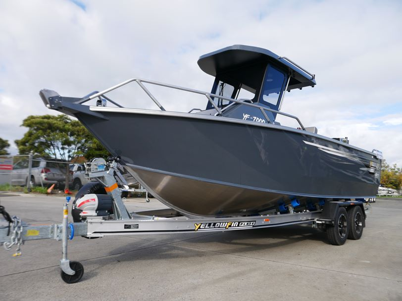 YELLOWFIN 7000 CENTRE CABIN - PLATE OFFSHORE FISHING BOAT