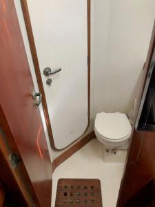 Beneteau M432. 3 cabins / 2 heads version.