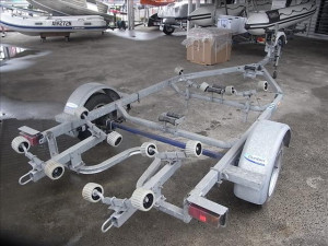 Dunbier R16B Rollamatic boat trailer with mechanic brakes to suit boats up to 5.0m