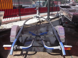 Dunbier 4.4m Centreline trailer suitable for boats up to approx. 4.5m in length.