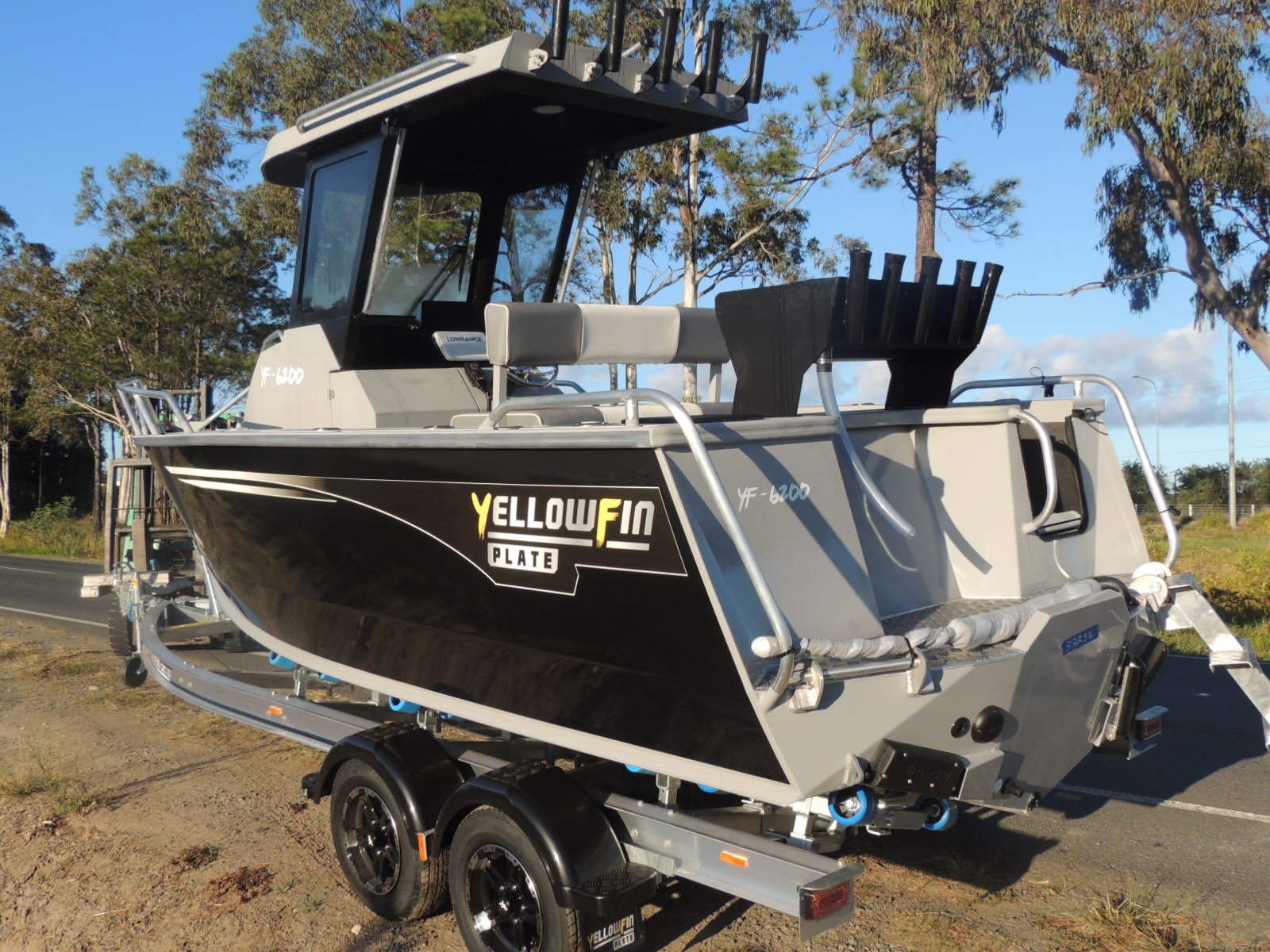 6200 Yellowfin Centre Cabin 150hp Pack 4 New Model
