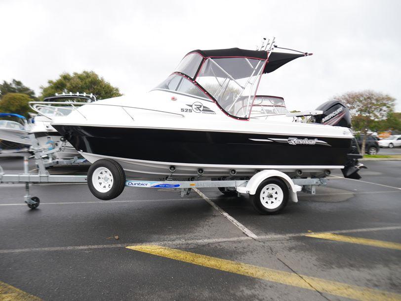 Revival R525 Offshore - DLX Cuddy