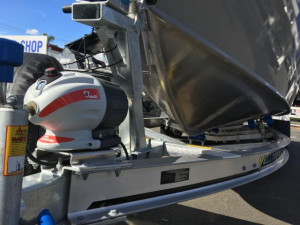 7600 YELLOWFIN  CENTRE CABIN 250 HP PACK 4