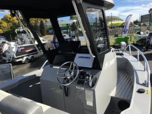 7600 YELLOWFIN  CENTRE CABIN 225HP PACK 2