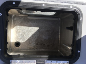 7600 YELLOWFIN  REAR CENTRE CONSOLE 225 HP PACK 3