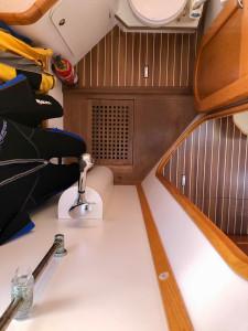 Ovni 395. 2 cabins version.